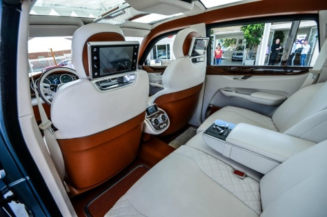 Bentley SUV in high-definition photo! #luxury #car #interiors